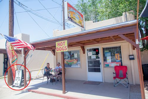 white-sands-sign-jamming-hot-dogs